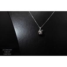 14K platinum Tahitian pearl pendant